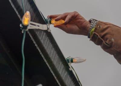 hand-installing-bulb
